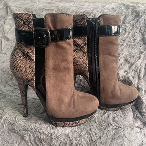 Worn Once, Perfect! Pretty Faux Snakeskin Booties
